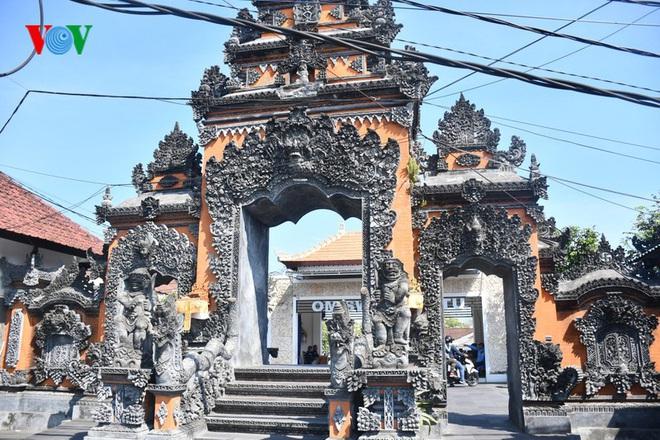 Ngành du lịch chao đảo, 90% nhân viên các khách sạn tại Bali mất việc - Ảnh 2.