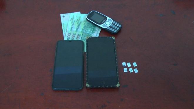 Hưng Yên: Cô gái trẻ giả vờ mua hàng rồi cướp điện thoại của hai thiếu niên - Ảnh 1.