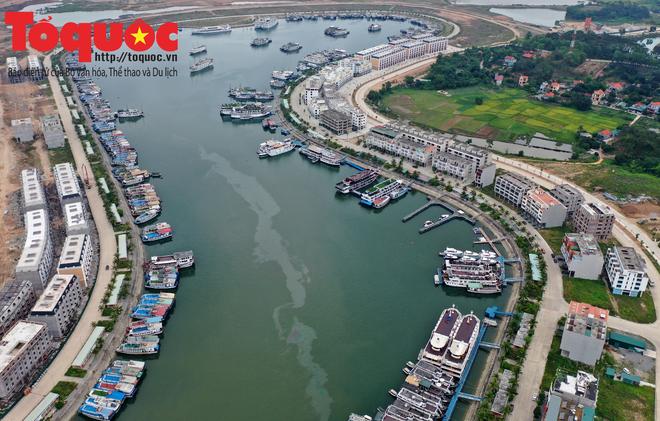 Biển Bãi Cháy đông trở lại, Quảng Ninh bắt đầu kích cầu đón khách du lịch sau Covid-19 - Ảnh 13.