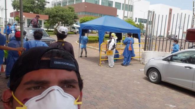 Ecuador: Tử thi nhiễm COVID-19 mất tích, bệnh nhân phải ở chung phòng với người đã qua đời - Ảnh 2.