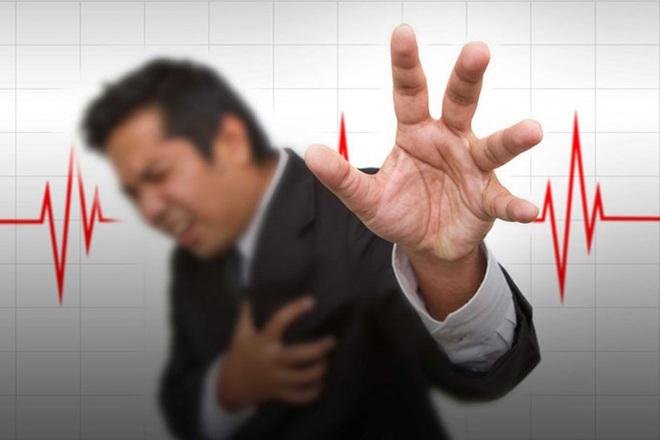 Những căn bệnh đe dọa sức khỏe nam giới tuổi 40 - Ảnh 2.