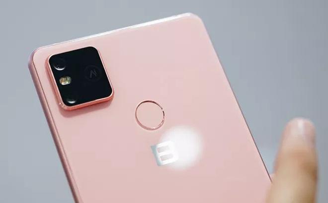 Bphone ra mắt điện thoại phiên bản giá rẻ: Liệu có làm nên chuyện?