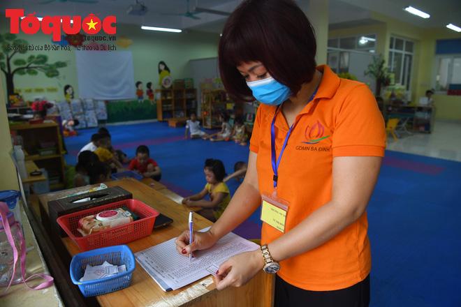 Học sinh gần 1.900 trường mầm non và tiểu học tại Hà Nội đi học trở lại - Ảnh 14.