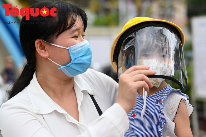 Học sinh gần 1.900 trường mầm non và tiểu học tại Hà Nội đi học trở lại - Ảnh 4.