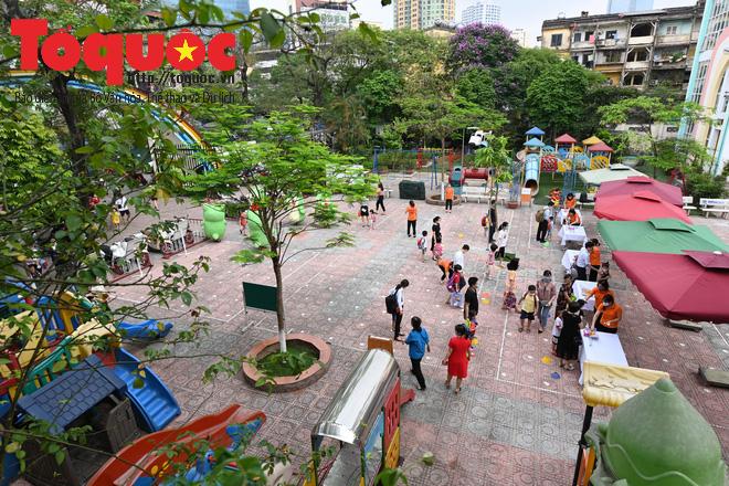 Học sinh gần 1.900 trường mầm non và tiểu học tại Hà Nội đi học trở lại - Ảnh 2.