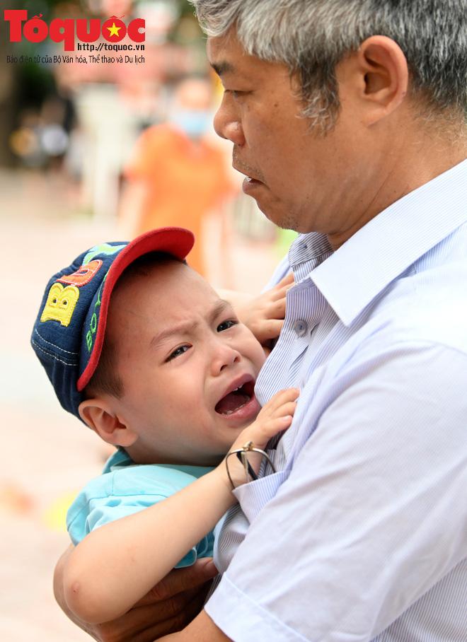 Học sinh gần 1.900 trường mầm non và tiểu học tại Hà Nội đi học trở lại - Ảnh 10.