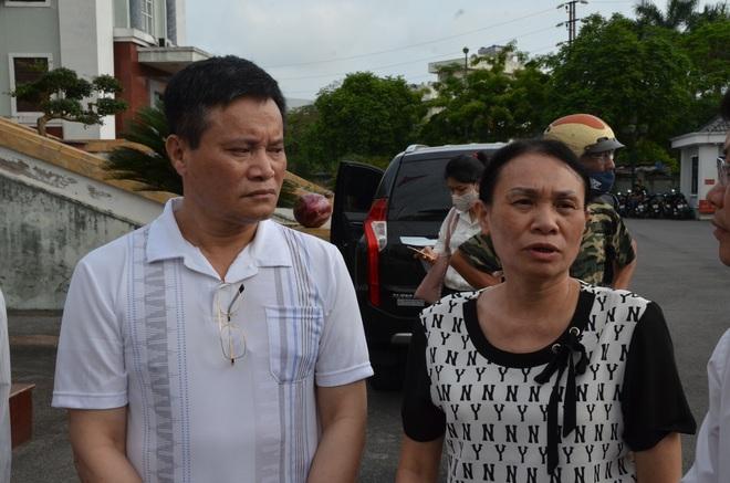 [ẢNH] Quang cảnh phiên xử vợ chồng chủ doanh nghiệp Lâm Quyết liên quan đến Đường Nhuệ - Ảnh 4.
