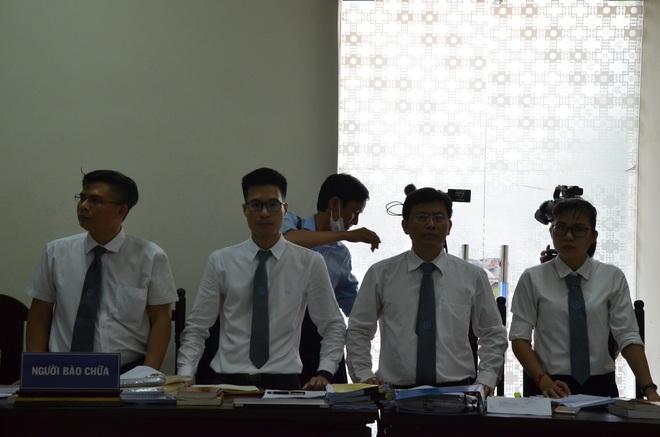 [ẢNH] Quang cảnh phiên xử vợ chồng chủ doanh nghiệp Lâm Quyết liên quan đến Đường Nhuệ - Ảnh 8.