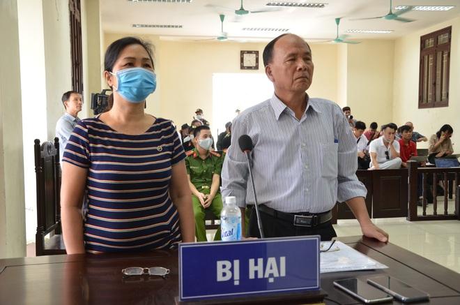 [ẢNH] Quang cảnh phiên xử vợ chồng chủ doanh nghiệp Lâm Quyết liên quan đến Đường Nhuệ - Ảnh 6.