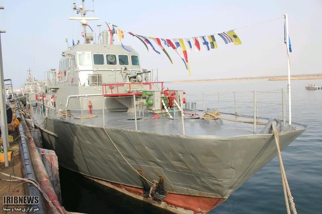 Hải quân Iran vừa khai hỏa, 1 tàu chiến bị đánh chìm, sai lầm không thể tưởng tượng nổi - Trung Đông dậy sóng - Ảnh 2.