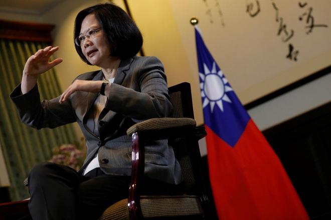 Làn sóng kêu gọi Bắc Kinh nhân Covid-19 xua quân xử Đài Loan: Báo đảng TQ nêu bài học từ cuộc đổ bộ của Khang Hy - Ảnh 3.
