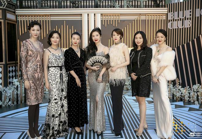 Bước vào giới thượng lưu sau khi kết hôn, rốt cuộc phu nhân chủ tịch Taobao đã sống xa hoa đến thế nào trước khi phát hiện chồng ngoại tình? - Ảnh 23.