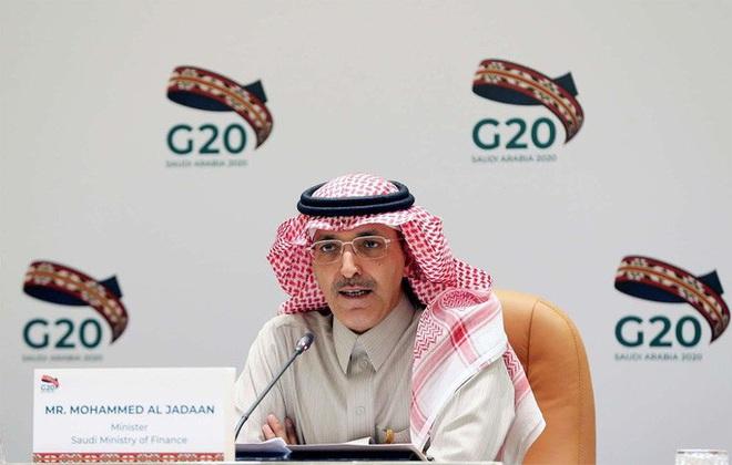 Dính đòn kép cực mạnh, nhà giàu Ả Rập Saudi cũng khóc ròng - Ảnh 1.