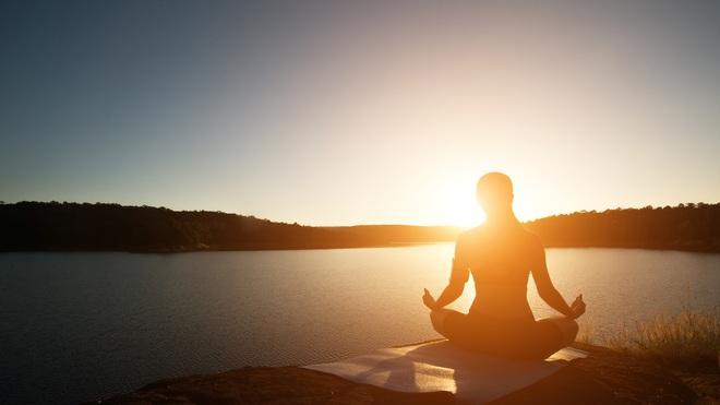Lợi ích của ngồi thiền: Chỉ cần 20 phút có thể mở thông kinh lạc, toàn bộ cơ thể thay đổi - Ảnh 1.