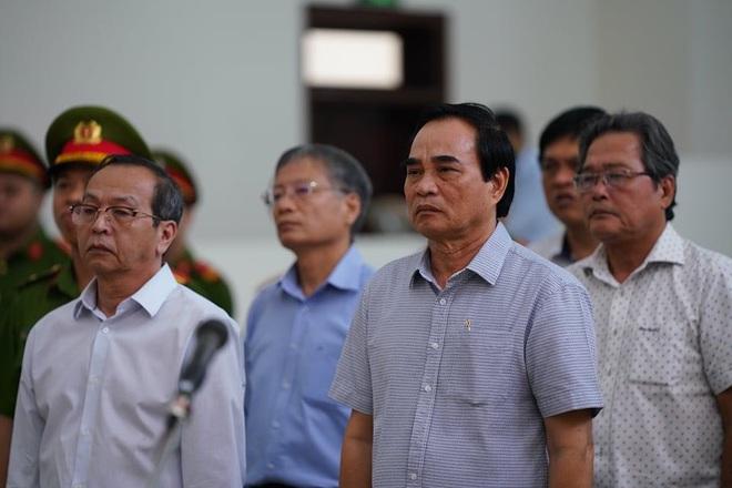 Bắt tạm giam 2 cựu Chủ tịch Đà Nẵng Trần Văn Minh, Văn Hữu Chiến tại tòa để thi hành án, Phan Văn Anh Vũ 25 năm tù - Ảnh 3.