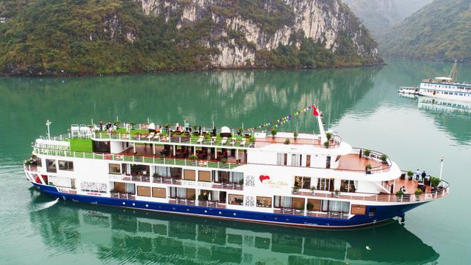 """Hậu Covid-19: Mua rau nhận vé du thuyền, resort Phú Quốc giảm giá """"sập sàn"""" dưới 1 triệu  - Ảnh 1."""