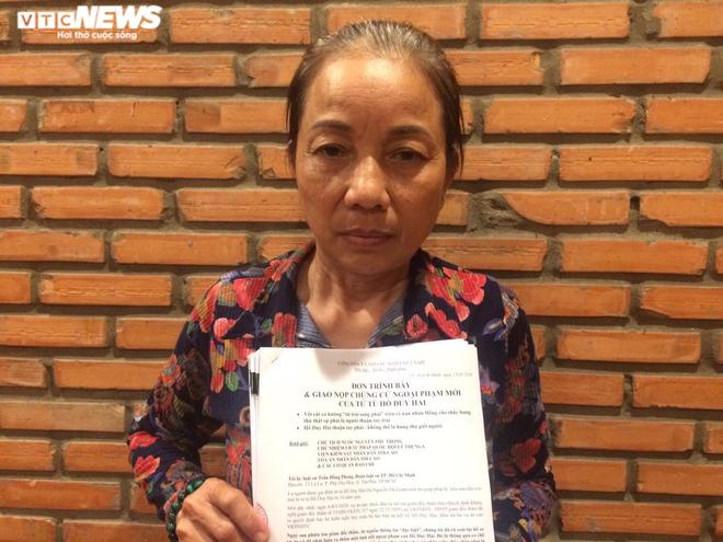 Bất ngờ tìm ra chứng cứ ngoại phạm, mẹ Hồ Duy Hải gửi đơn cầu cứu Chủ tịch nước - Ảnh 1.