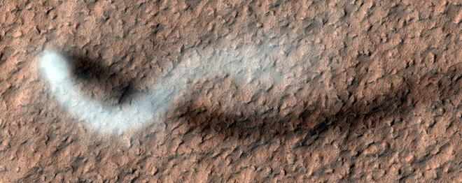 Cơn lốc bụi khổng lồ trên sao Hỏa: Quỷ bụi Serpentine lại xuất hiện? - Ảnh 3.