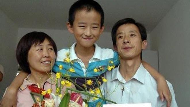 Cậu bé đòi phải có nhà ở thủ đô mới chịu đi học, bố mẹ nhất quyết không làm theo, 8 năm sau tiếc đứt ruột vì không nghe con - Ảnh 3.