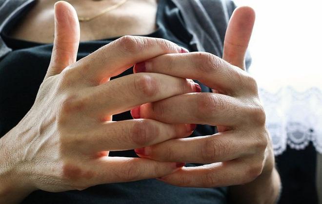 Móng tay nói những điều gì về sức khỏe của bạn? - Ảnh 6.
