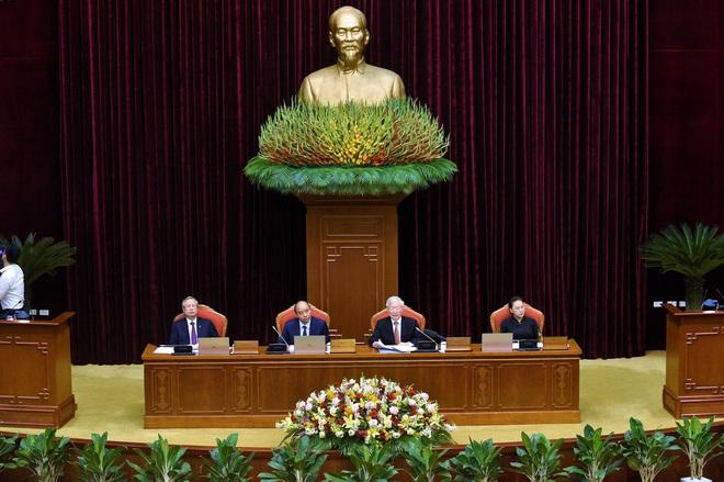 Trung ương ghi phiếu giới thiệu nhân sự quy hoạch Bộ Chính trị, Ban Bí thư khóa XIII - Ảnh 1.