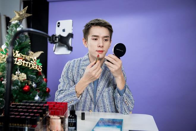 Chàng trai được mệnh danh Ông hoàng son môi từng bán son trực tuyến với Jack Ma hé lộ nguyên nhân thật sự của việc luôn biến mất 3 phút mỗi khi livestream - Ảnh 3.