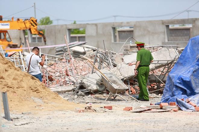 [ẢNH] Toàn cảnh vụ sập bức tường 100 m khiến 10 người tử vong tại Đồng Nai - Ảnh 9.