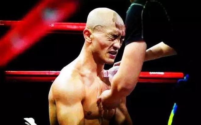 """""""Đệ nhất Thiếu Lâm"""" chịu nỗi nhục lớn ở đại hội võ lâm TQ vì mải livestream, """"quên"""" tập võ"""