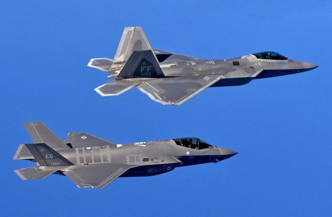 Hé lộ bí mật động trời về tiêm kích F-22, điểm yếu của Không quân Mỹ bị phơi bày - Ảnh 1.
