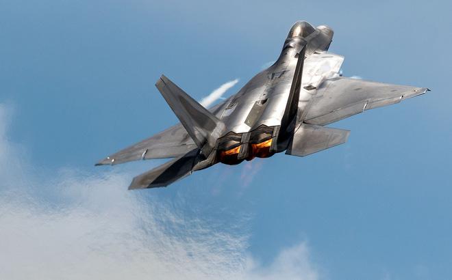 Hé lộ bí mật động trời về tiêm kích F-22, điểm yếu của Không quân Mỹ bị phơi bày