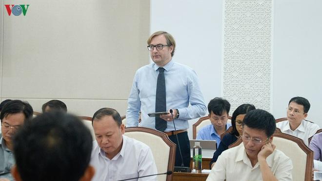Quảng Ninh tiếp xúc trực tuyến tháo gỡ khó khăn cho doanh nghiệp - Ảnh 2.