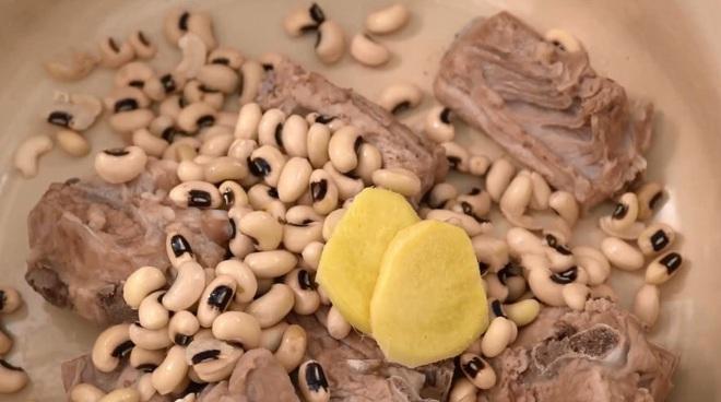 Cách mới nấu canh sườn giúp thanh nhiệt thải độc mà cực hợp cho mùa hè - Ảnh 4.