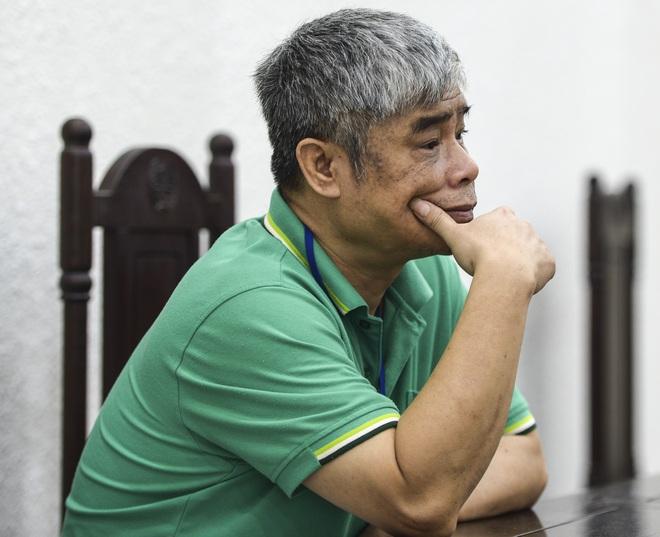 Vụ án nam sinh trường Gateway tử vong trên xe đưa đón: Nhiều người vắng, bị cáo Nguyễn Bích Quy xin hoãn tòa - Ảnh 6.