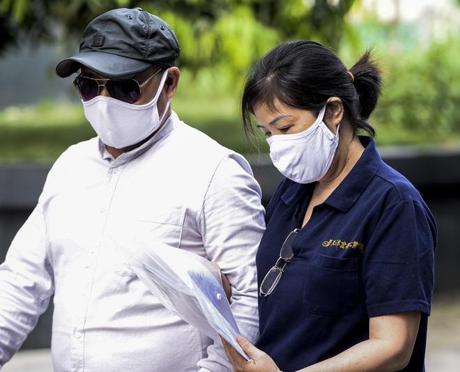 Vụ án nam sinh trường Gateway tử vong trên xe đưa đón: Nhiều người vắng, bị cáo Nguyễn Bích Quy xin hoãn tòa - Ảnh 3.