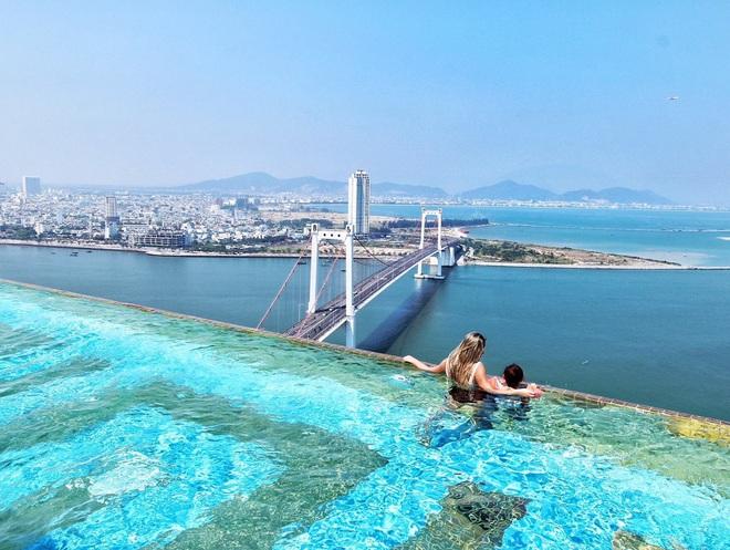 Bên trong khách sạn có bể bơi vô cực dát vàng đang giảm sốc, nghỉ 1 đêm miễn phí 1 đêm - Ảnh 5.