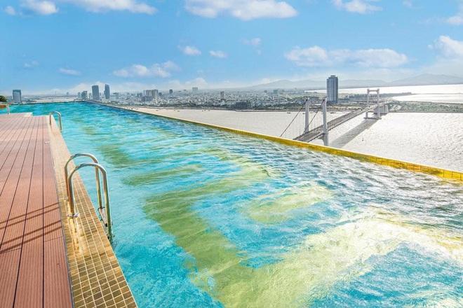 Bên trong khách sạn có bể bơi vô cực dát vàng đang giảm sốc, nghỉ 1 đêm miễn phí 1 đêm - Ảnh 4.