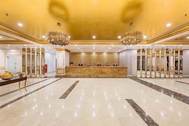 Bên trong khách sạn có bể bơi vô cực dát vàng đang giảm sốc, nghỉ 1 đêm miễn phí 1 đêm - Ảnh 8.