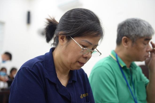 Vụ án nam sinh trường Gateway tử vong trên xe đưa đón: Nhiều người vắng, bị cáo Nguyễn Bích Quy xin hoãn tòa - Ảnh 7.
