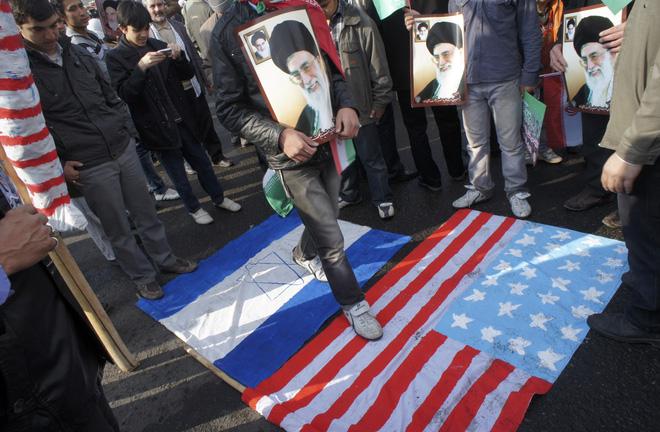 Tính chặn bắt tàu dầu Iran, Mỹ nhận chiến thư, Anh ra cảnh báo đỏ, Tehran chọn Syria & Iraq là chiến trường? - Ảnh 1.