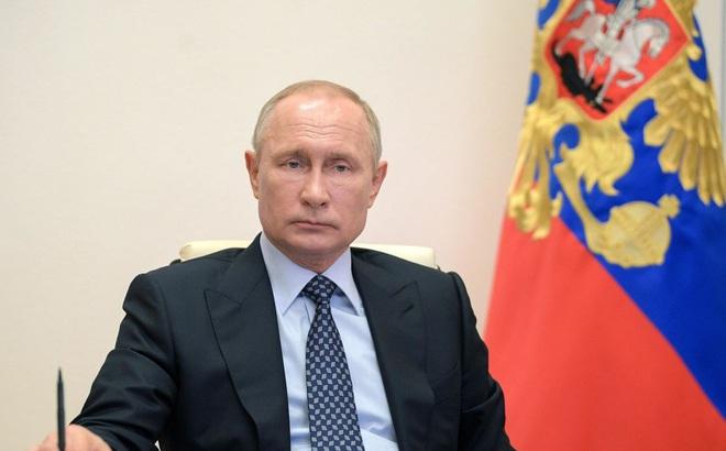 """Tổng thống Trump vừa khoe """"siêu tên lửa"""", ông Putin đã có lời đáp trả thâm thúy"""