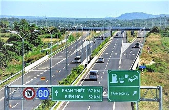 Chuyển cao tốc Bắc-Nam sang đầu tư công, tiến độ sẽ nhanh hơn? - Ảnh 1.