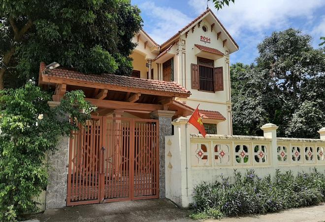 Ngắm những ngôi nhà to đẹp của hộ cận nghèo và nhà cấp 4 khá xập xệ của hộ giàu ở Thanh Hóa - Ảnh 1.