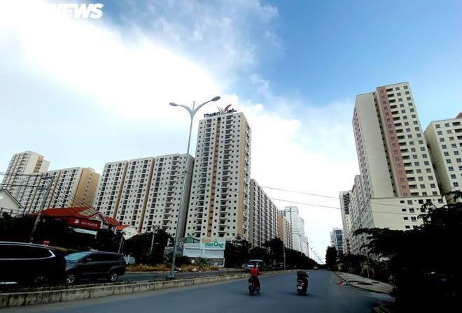 Cảnh u ám của 3.790 căn hộ tái định cư nằm chết giữa lòng TP.HCM - Ảnh 1.