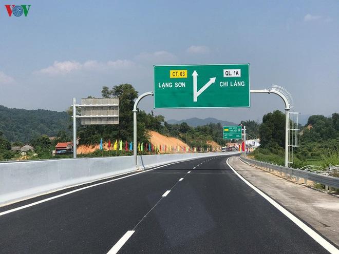 Chuyển cao tốc Bắc-Nam sang đầu tư công, tiến độ sẽ nhanh hơn? - Ảnh 3.