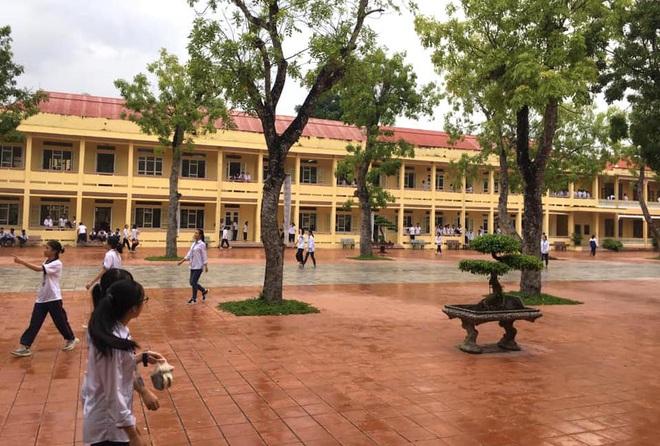 Thực hư chuyện trường học thu 90.000 đồng một học sinh để phòng chống dịch Covid-19 - Ảnh 1.