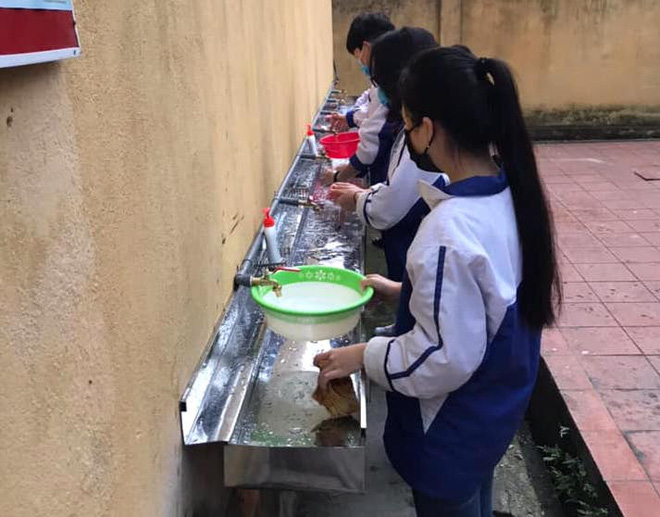 Thực hư chuyện trường học thu 90.000 đồng một học sinh để phòng chống dịch Covid-19 - Ảnh 2.