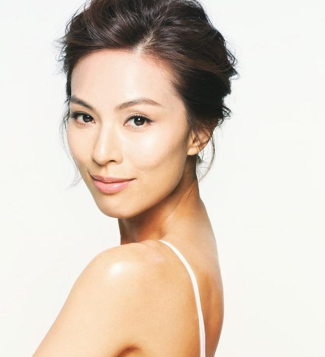 Á hậu Hong Kong: Tình cảm lận đận do gia đình có 3 người mất vì ung thư, 39 tuổi dính nghi án cặp đại gia già - Ảnh 4.