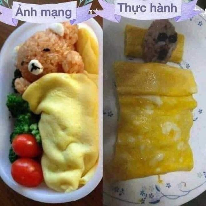 Mẹ bắt chước trên mạng làm món cơm cuộn nhưng con gào khóc không ăn, nhìn hình trang trí trong đĩa ai cũng thương em bé - Ảnh 1.