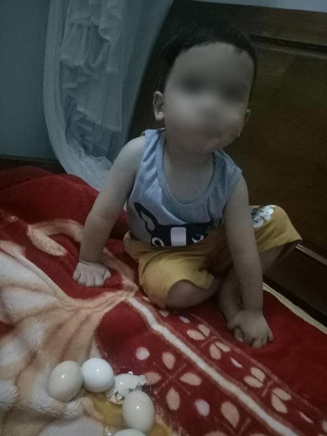Con trai thắc mắc tự ấp trứng gà cả đêm nhưng sáng không nở, mẹ phát khóc vì cảnh tượng trên giường - Ảnh 4.