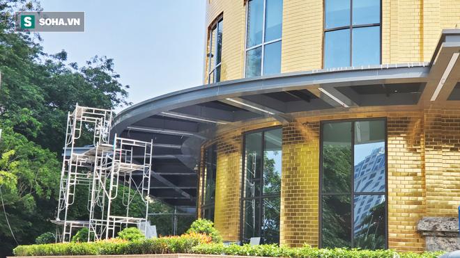 Tòa nhà dát vàng 24K từ chân đến nóc khủng nhất Hà Nội đang hoàn thiện - Ảnh 4.
